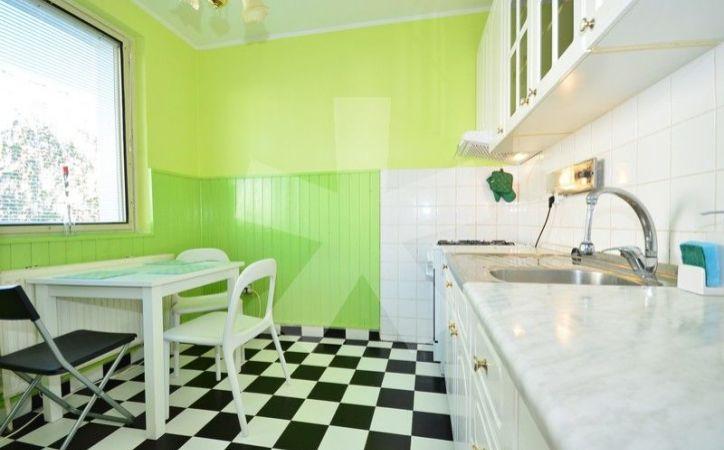 PREDANÉ - BUČINOVÁ, priestranný 1-i byt, 46 m2 - s loggiou, po čiastočnej rekonštrukcii, kúpeľňa s vaňou, veľká kuchyňa, ZATEPLENÝ BYTOVÝ DOM