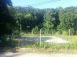 KALDOreal ponúka na predaj 20á spevnený pozemok (športové ihrisko) v obci Horné Orešany, Majdán