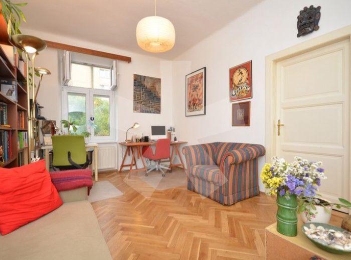 PREDANÉ - BLUMENTÁLSKA, 2-i byt, 53 m2 – krásny tehlový byt po rekonštrukcii, vlastné kúrenie, s výťahom, V ZREKONŠTRUOVANOM DOME VO VÝBORNEJ LOKALITE
