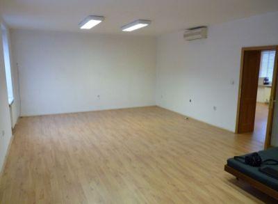 Prenájom 2 kancelárie 78m2 centrum