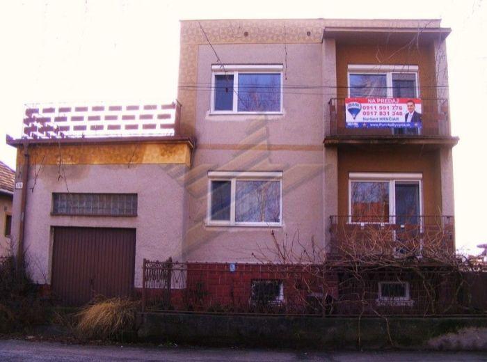 PREDANÉ - VYDRANY, 4-i dom, UP 250 m2 - pozemok 600 m2, terasa, 2x balkón, garáž, CELÝ PODPIVNIČENÝ