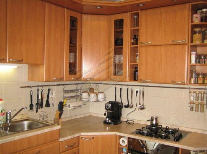 PREDANÉ - SMOLENICKÁ, 3-i byt, 71 m2 – BYT, AJ BYTOVÝ DOM PO REKONŠTRUKCII