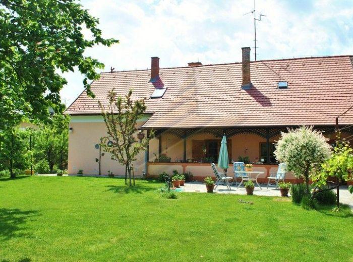 PREDANÉ - SENEC, 5-i dom, 225 m2, pozemok 1 620 m2 - vzácny HISTORICKÝ DOM z 18. STOROČIA