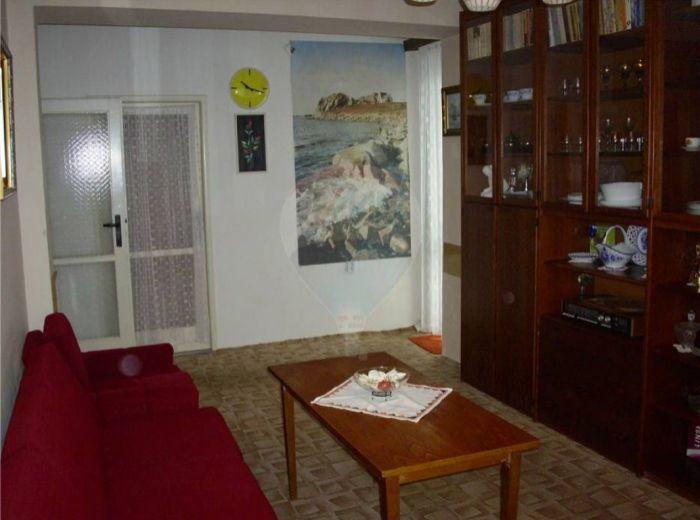 PREDANÉ - HANÁCKA, 2-i byt, 55 m2 – superlacný byt V ZACHOVALOM STAVE