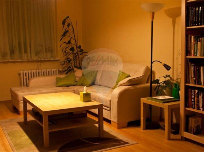 PREDANÉ - MLYNAROVIČOVA, 3-i byt, 72 m2 – zrekonštruovaný byt , ZATEPL. DOM S VL. KOTOLŇOU