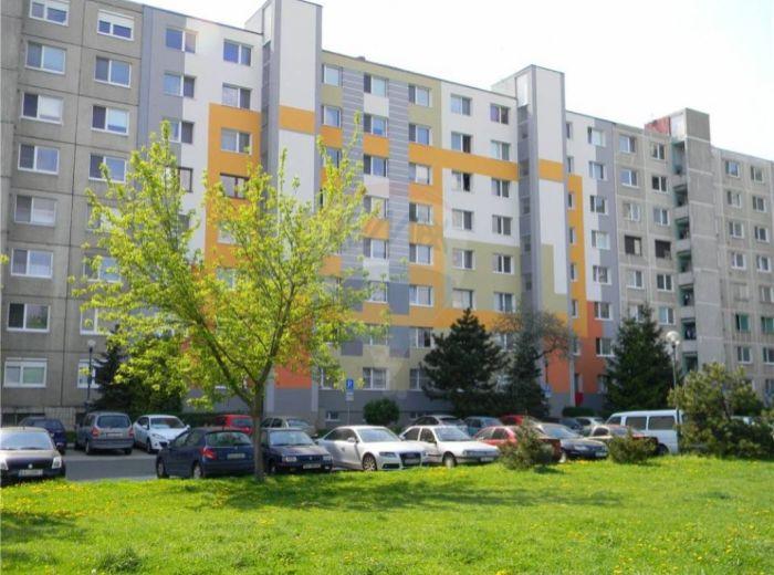 PREDANÉ - SLATINSKÁ, 1-i byt, 35 m2 - ČIASTOČNÁ REKONŠTRUKCIA