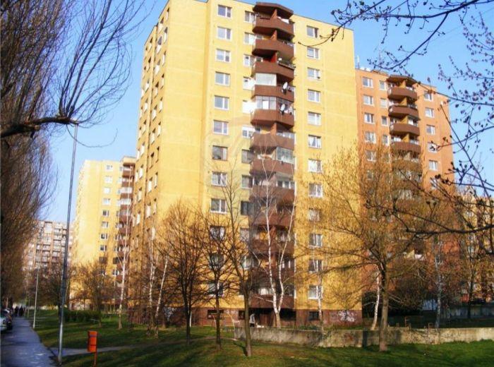PREDANÉ - JÁNA PONIČANA, 3-i byt, 76 m2 -  zrekonštruovaný, nová KL, loggia - SKVELÁ PONUKA