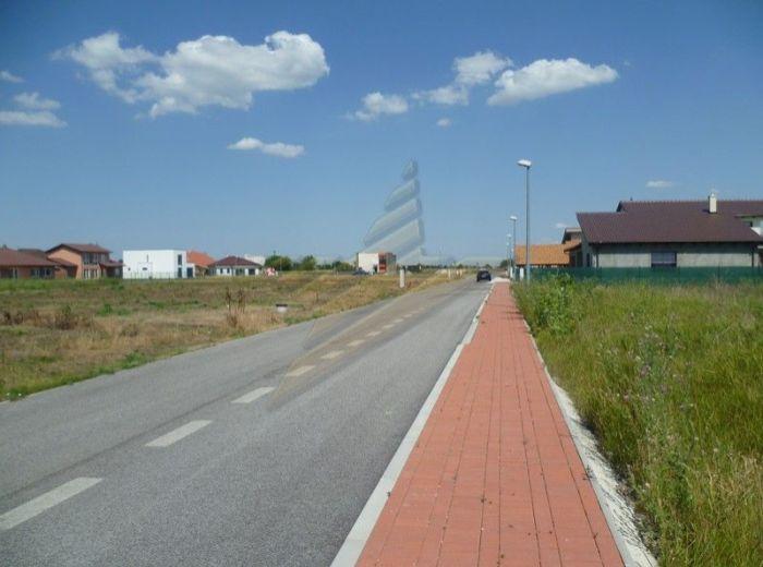 PREDANÉ - MLYNSKÝ KLIN, stavebný pozemok, 1 107 m2 - NOVÁ LOKALITA PRE RD, 2 km SENEC