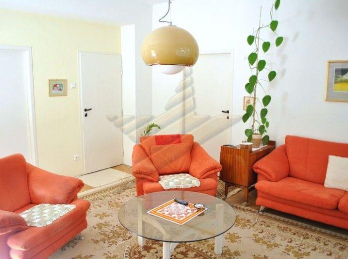 PREDANÉ - FRAŇA KRÁĽA, 3,5-i byt, 122 m2 - veľmi dobrý pôvodný stav, VÝBORNÁ LOKALITA