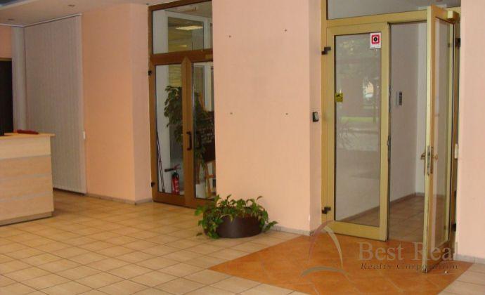 Best Real - kancelárie v úplnom centre, Hviezdoslavovo nám., rozloha od 15 do 150m2