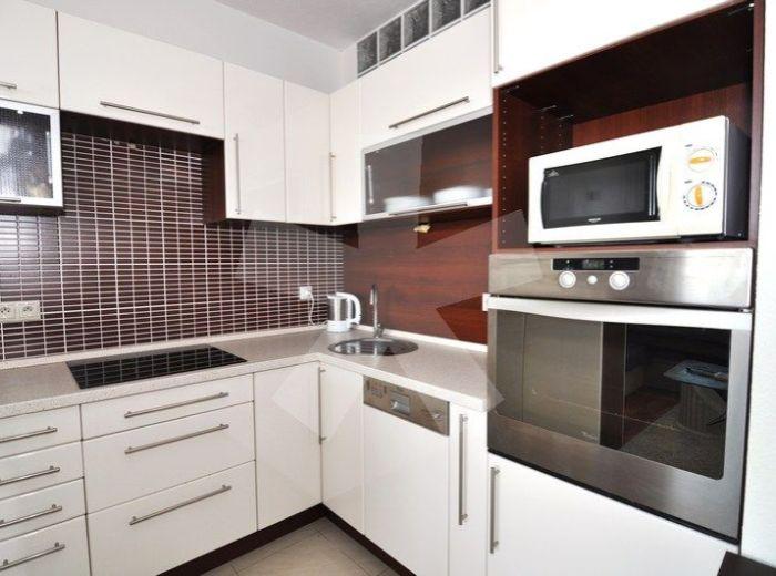 PRENAJATÉ - TOMÁŠIKOVA, 2-i byt, 60 m2 - novostavba na prenájom, MODERNE ZARIADENÝ byt s loggiou, GARÁŽOVÉ MIESTO v cene