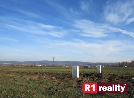 Stavebný pozemok Piešťany - Drahovce (550 m2)