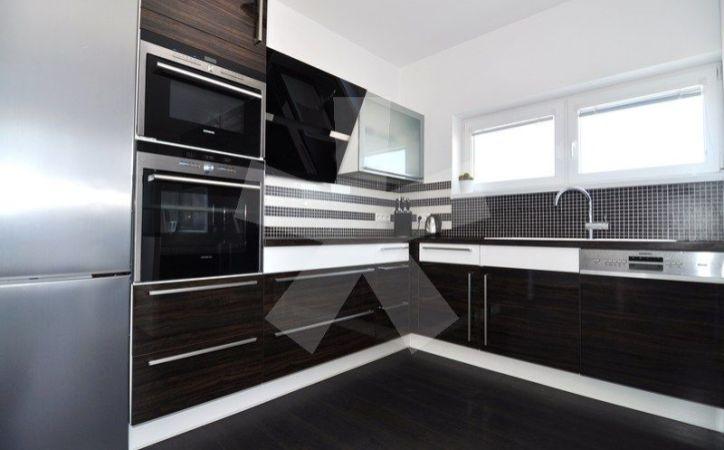 PREDANÉ - EISNEROVA, 3-i byt, 89 m2 - novostavba GLAVICA, tehla, klimatizácia, KOMPLET DIZAJNOVÉ ZARIADENIE a PARKOVACIE MIESTO V CENE