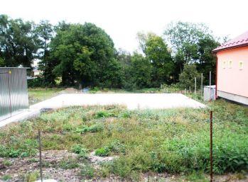 VITOREAL - na predaj pozemok s projektom domu v obci Trnávka