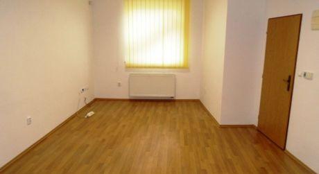 Na prenájom kancelárske priestory, 70 m2, Dubnica n/V