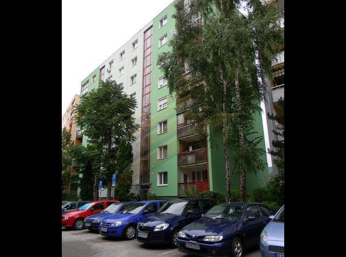 PREDANÉ - STUDENOHORSKÁ, 3-i byt, 76 m2 - loggia, parkovacie miesto, KOMPLETNÁ REKONŠTRUKCIA
