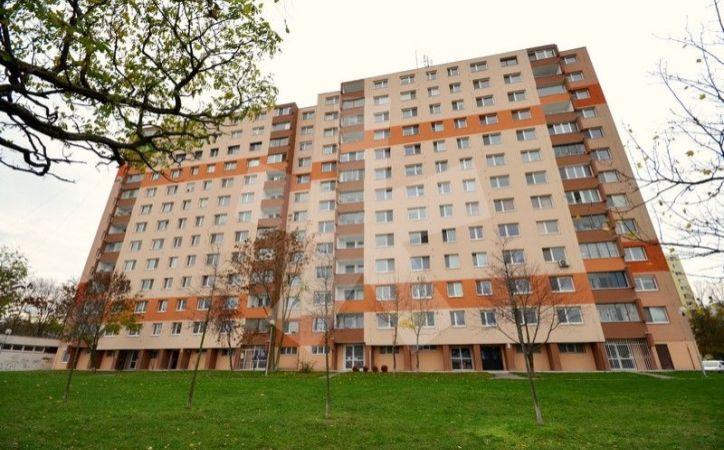 PREDANÉ - MEDVEĎOVEJ, 2-i byt, 67 m2, 8.p./12 – priestranný byt S LOGGIOU, v zateplenom bytovom dome, VO VYHĽADÁVANEJ ČASTI PETRŽALKY