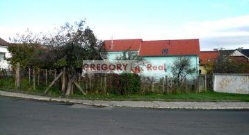 PREDAJ: stavebný pozemok s projektom Rodinného domu, tichá časť Rače, Bratislava III. - Rača