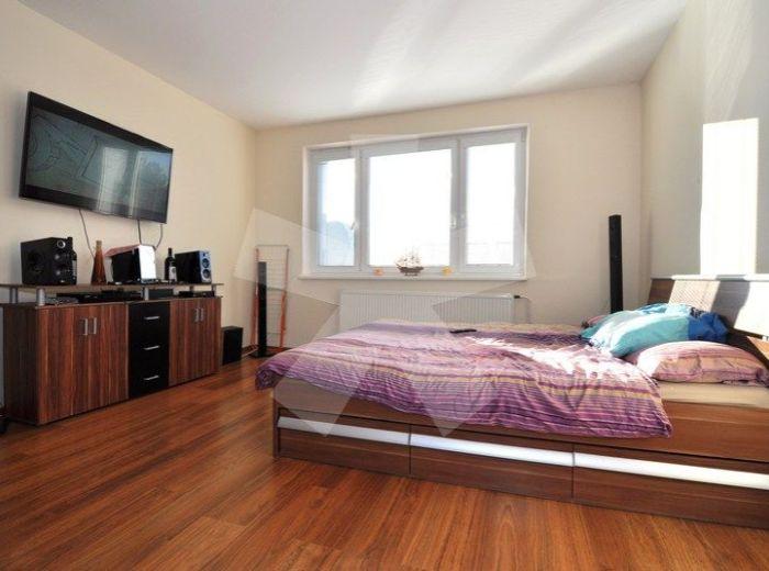 PREDANÉ - STARHRADSKÁ, 4-i byt, 83 m2 - rekonštrukcia, NAJZELENŠIA ČASŤ PETRŽALKY priamo PRI LESE, obľúbenom CHORVÁTSKOM RAMENE a JAZERÁCH