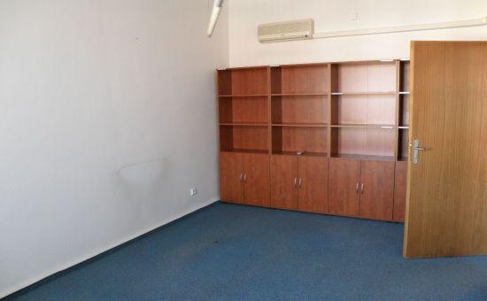 Ponúkame na prenájom priestor 100 m2  v  BA I., na Trnavskom mýte