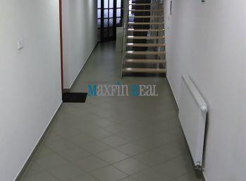 MAXFIN REAL - prenájom priestoru  113m2 na pešej zóne v Nitre