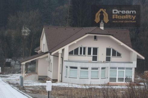 Novostavba dvojgeneračný dom v Budatíne