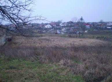 Maxfin Real - ponúka na predaj pozemok v obci Močenok