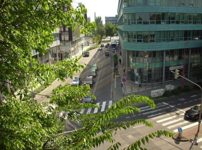PREDANÉ - PRIEVOZSKÁ, 1-i byt, 44 m2 – tehlový byt priamo OPROTI APOLLO BC
