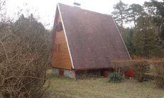 Na predaj chata v Plaveckom Štvrtku s 8á pozemkom v os. vlastníctve