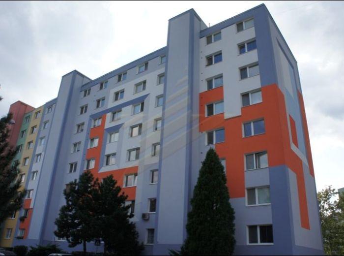 PREDANÉ - BEBRAVSKÁ, 1-i byt, 35 m2 - KOMPLETNE ZREKONŠTRUOVANÝ byt aj dom ZA SUPER CENU