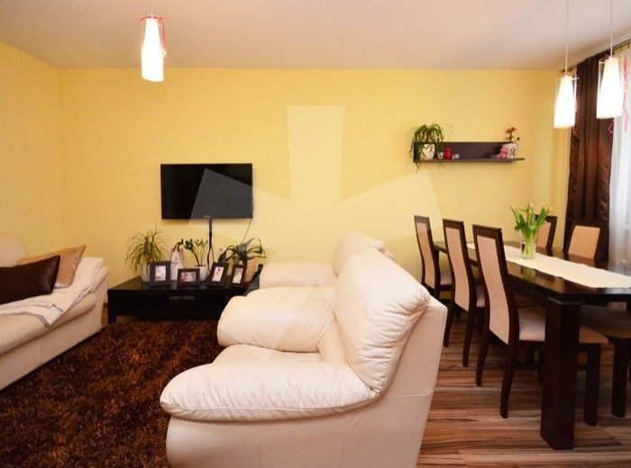 PREDANÉ - MLYNAROVIČOVA, 3-i byt, 74 m2 – príjemne KOMPLETNE zrekonštruovaný byt s loggiou, zateplený, v NAJOBĽÚBENEJŠEJ ČASTI PETRŽALKY