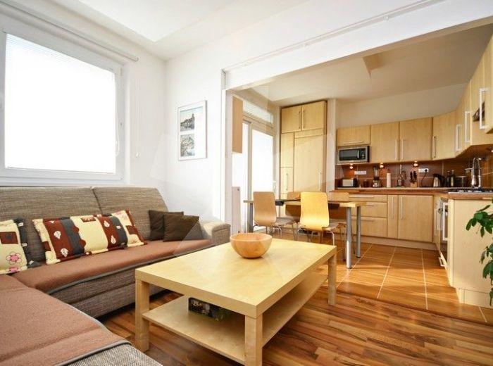 PREDANÉ - KRÁSNOHORSKÁ, 3-i byt, 70 m2 – kúpte si BYT SNOV, kvalitná rekonštrukcia, štýlové bývanie s modernou dispozíciou, s BIOKRBOM a LOGGIOU