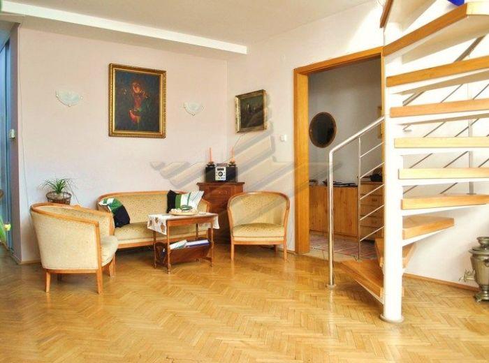 PREDANÉ - STARÉ MESTO, 4-i byt, 124 m2 -11-ročný mezonet s terasou, PRI NÁBREŽÍ DUNAJA