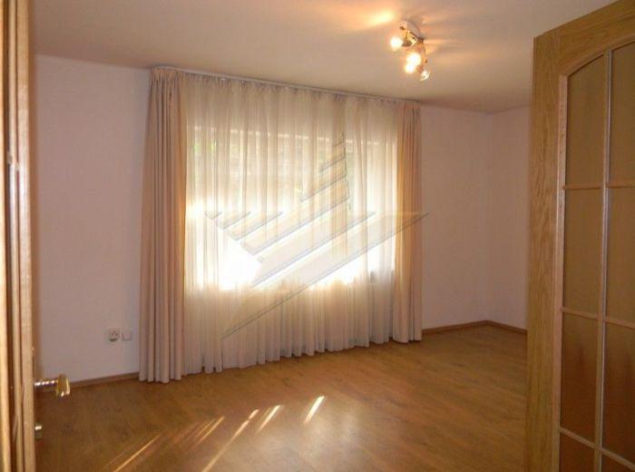 PRENAJATÉ - SOKOLSKÁ, 2-i byt, 52 m2 - čiastočne zariadený, TICHÁ LOKALITA V CENTRE MESTA
