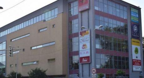 PRENÁJOM - obchodné a kancelárske priestory v  Shopping Centre v Komárne