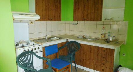 PREDAJ - NOVÁ CENA - 3 izbový rodinný dom v obci Iža 10 km od  Komárna