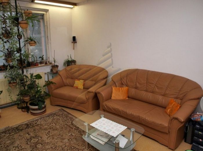 PREDANÉ - BULÍKOVÁ, 3-i byt, 70 m2 - pôvodný stav, najžiadanejší 3-i dispozičný typ v PETRŽALKE, na ZAČIATKU