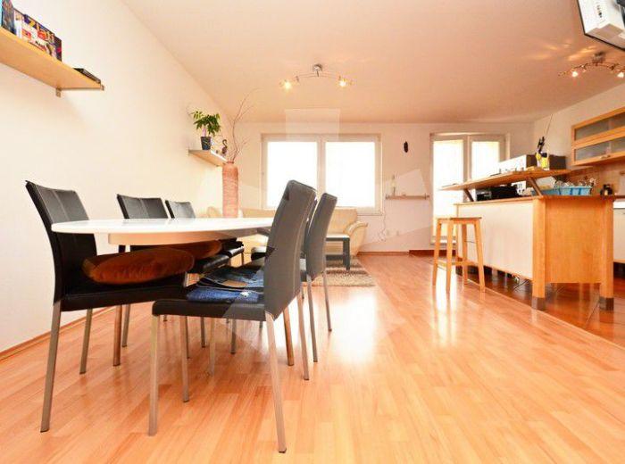 PRENAJATÉ - NA KRIŽOVATKÁCH, 2-i byt, 81 m2 – príjemne zariadený byt v NOVOSTAVBE, s balkónom, vrátane GARÁŽOVÉHO STÁTIA
