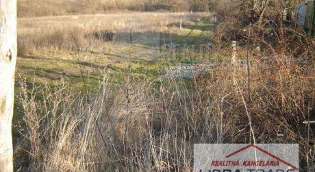 Predaj stavebného pozemku v Podhájskej, 22 km od N. Zámkov.