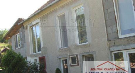 Veľký dom na predaj/prenájom pre väčšie rodiny alebo firmy  neďaleko Štúrova