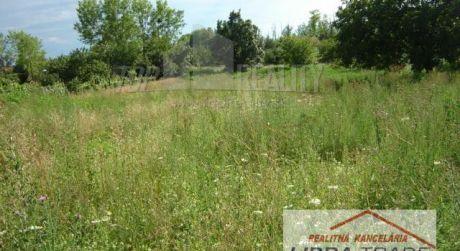 Predaj stavebného pozemku v Palárikove, 12 km od N. Zámkov