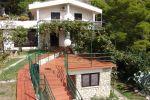 BYTOČ RK - Predaj - rodinný dom v letovisku Krvavica, s peknou záhradou, blízko marína