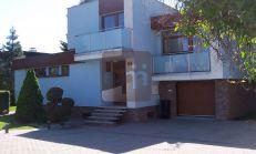 Predaj rodinného domu, vhodný ako sídlo spoločnosti, Žilina