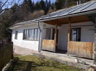MAXFIN REAL - Znížená cena!!! - na predaj rodinný dom-chalupa v obci Špania Dolina
