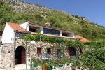BYTOČ RK - Predaj - zrekonštruovaný kamenný dom - Podaca s výhľadom