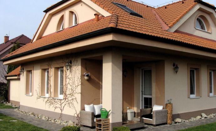 Best real - 5-izb. novostavba v Rovinke, 200m2, pozemok 479m2, krb, sauna, parková úprava.