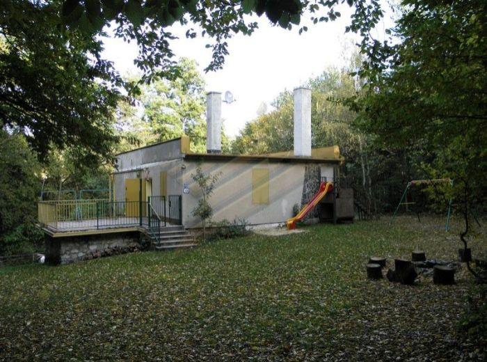 PREDANÉ - SMOLENICE - JAHODNÍK, 3-i chata, 177 m2 – krásne prostredie, VHODNÁ NA NADSTAVBU