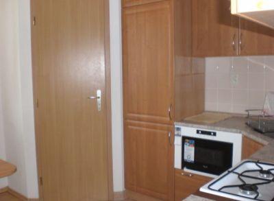 Areté real, Prenájom zariadeného 2-izbového bytu v dobrej lokalite v Pezinku