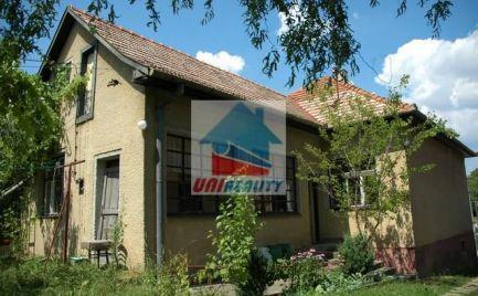 Starši rodinný dom / BREZOLUPY / Bánovce nad Bebravou