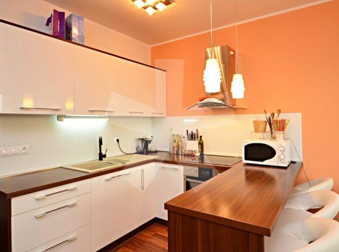 PREDANÉ - VLČIE HRDLO, 2-i byt, 46 m2 – štýlový kompletne ZREKONŠTRUOVANÝ BYT, s loggiou, lokalita ZELENÝ DVOR